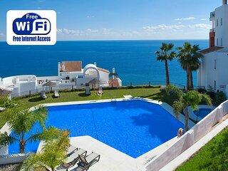 Apartamento de lujo con impresionantes vistas al mar en Torrox Costa