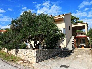 Martina  - large and comfortable apartments: A1 Julia(6+2) - Betina
