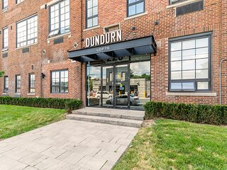 Simply Comfort. DISINFECTED 2Br Amazing Loft Free Parking. Gym
