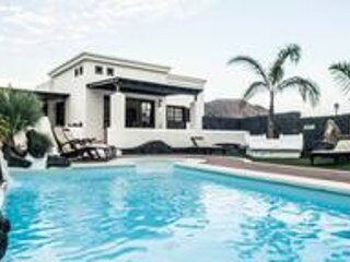 Villa Victoria Playa Blanca, holiday rental in Playa Blanca