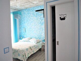 La Siezzzta: centrica habitacion doble, renovada con bano privado azotea y patio