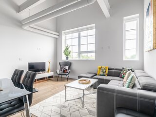 Simply Comfort.DISINFECTED 2BR 2Storey Designed Loft Free Parking