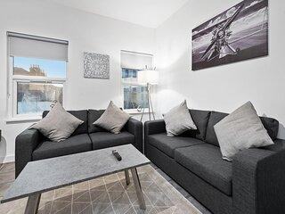West Ealing Serviced Apartment A - 2 Bedroom 2 Bath Parking