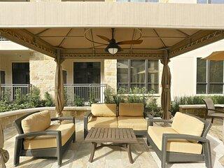 Luxurious & Cozy 1BD| 5★ Location, Pool, Gym, Balcony