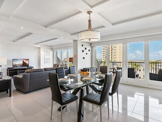Perfect Oceanview condo! Enjoy beachdeck, shared pools and jacuzzi Pet Friendly