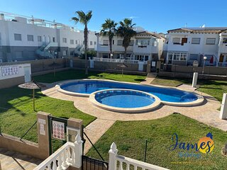 La Cinuelica R3 1st flr apt overlooking pool l149