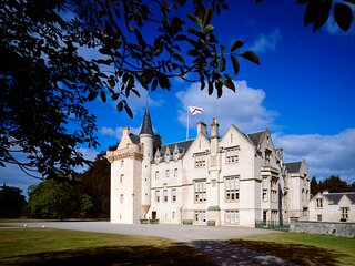 The Laird's Wing, Forres