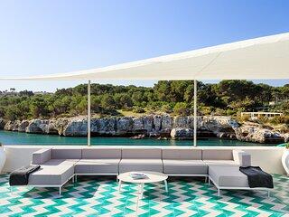 Exclusive Seafront Villa