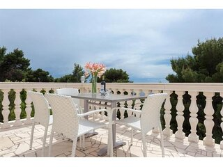 Apartments Villa Dingač - Standard Two-Bedroom Apartment with Balcony