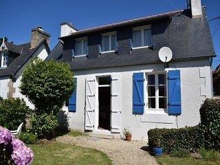 Maison à 100m plage de Tourony avec jardin clos à TREGASTEL
