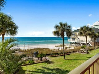 NEW LISTING! Beachfront 2BR Near St Andrews State Park, Full Kitchen, FREE WiFi