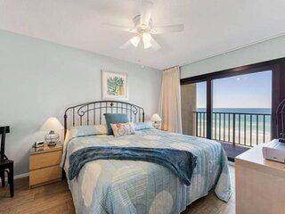 NEW LISTING: 1BR Condo w/ Master on Gulf, Private Balcony, Beach Chair Service,