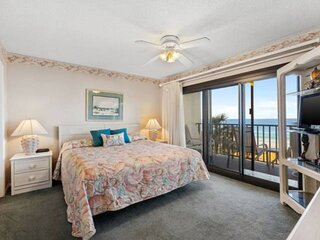 NEW LISTING: 2BR Beachfront, FREE Beach Chair Service, FREE WiFi, FREE Fun Ticke