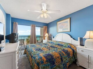 NEW LISTING: 1BR with Beachfront Balcony 3rd Floor Near State Park, FREE WiFi, F
