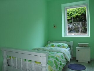 Guest House Gugily- Single Room with Shared Bathroom