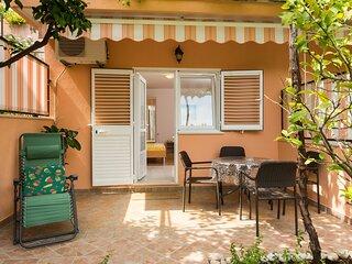 Apartments Bibijana- Premium Studio Apartment with Patio and Sea View