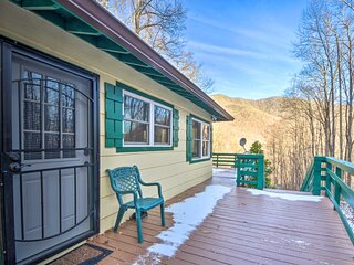 NEW! Nantahala Mountain Cabin ~ 1 Mile to Hiking!