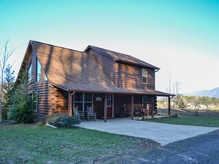 NEW! Cozy Cabin Living by Lake Chatuge w/ Hot Tub!