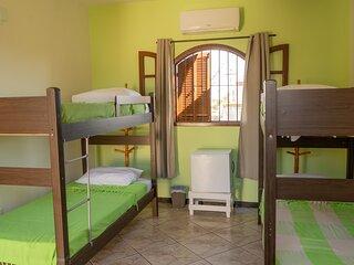 Quarto compartilhado Misto, 5 camas, preço x cama