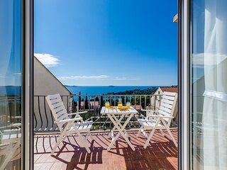 Apartments Knego - One Bedroom Apartment with Balcony and Sea View