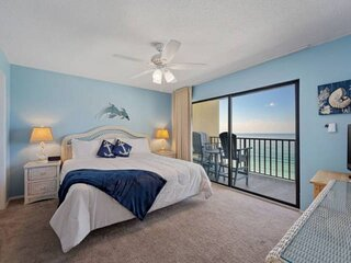 NEW LISTING: Beachfront 3BR on Quiet East End, Short Walk to State Park, Full Ki