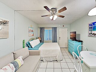 Pass-A-Grille Beach Retreat | Observation Deck, Gulf Views | Prime Locale
