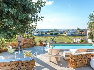 Torre Ovo Villa Sleeps 6 with Pool Air Con and WiFi - 5879055