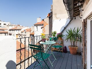 Renovated T3 with Terrace, Extreme Center - Air Rental