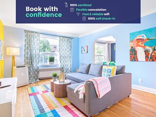 Colorful 2 BR Apt with Free Parking in Cedarvale!