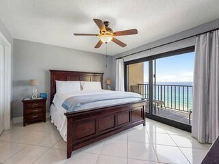 NEW LISTING: 3BR Beachfront 11th Floor Recently Updated, FREE Beach Chair Includ