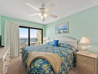 NEW LISTING: 1BR Condo with Master on the Gulf, Private Balcony, Quiet East End,