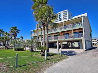 Landing 102 - Beautifully Updated 2BR Steps from the Beach!