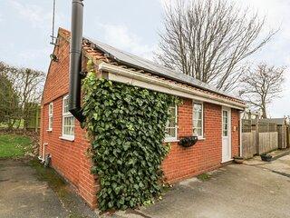 WEE WOODY, bungalow, underfloor heating, WiFi near Cottingham, Ref 929127