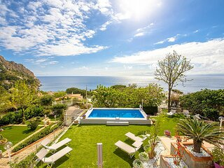 Santa Flavia Villa Sleeps 8 with Pool and Air Con - 5879034