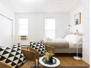 Comfy Romantic studio in Williamsburg!