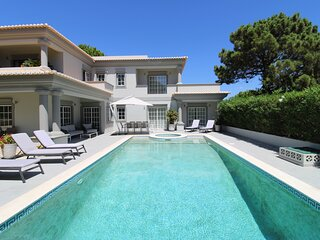 Close to Beach and Golf  4 bedrooms Villa in  Quinta de Salinas, Portugal.