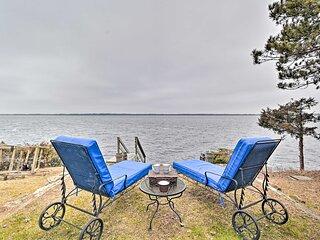 NEW! Castle Rock Lake Escape: Large Waterfront Lot