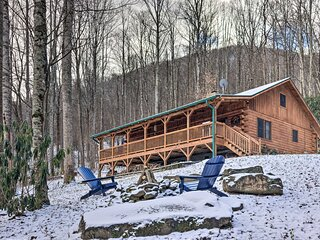 NEW! Secluded Mountain-View Cabin w/ Great Porch!