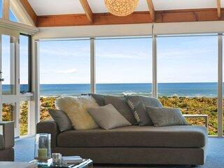 'Glass House at Ocean Bay'  - Middleton + WiFi
