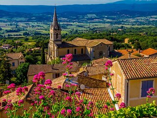 HAVEN OF PEACE&LUXURY AT THE FOOT OF LUBERON IN THE LOVELY VILLAGE OF BONNIEUX