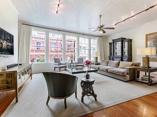Hosteeva | Luxury Baronne Street Apt with Private Rooftop Deck
