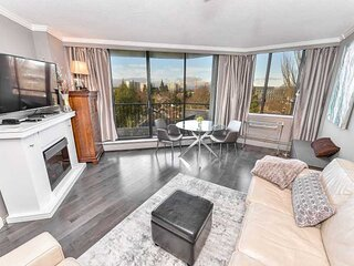 1 Bedroom Executive Condo Close to Downtown Victoria and Beacon Hill Park
