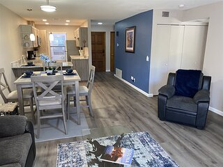 New Remodel! Great Downstairs Location! Community Pool and Hot Tub! OCE C1 - S03