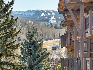 The Mountain Chalet, an Easy, Convenient, 2br 2ba Located Just Off the Hill in