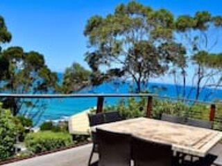 Stunning Beach Views★4 Bedroom★Sleeps 8★Pool Table★Wifi★Lorne★, holiday rental in Lorne