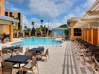 Three Modern Units Near Theme Parks, Breakfast, Pool