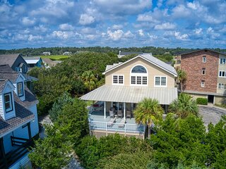 Oceanfront Beach House, Large Oceanside Deck, Grill, Creek Access End of Drive