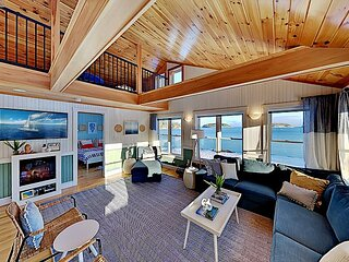 Dazzling Ocean Views | Custom-Built Cottage | Picturesque Waterfront Setting