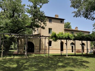 VILLA SCARLINO-GREEN LANDSCAPES,ROLLING HILLS & HOT WATER SPRINGS