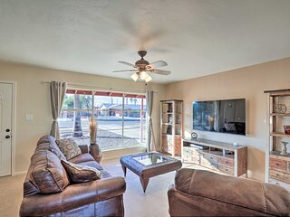 NEW! Tucson Home w/ Games < 1 Mile to Park Place!